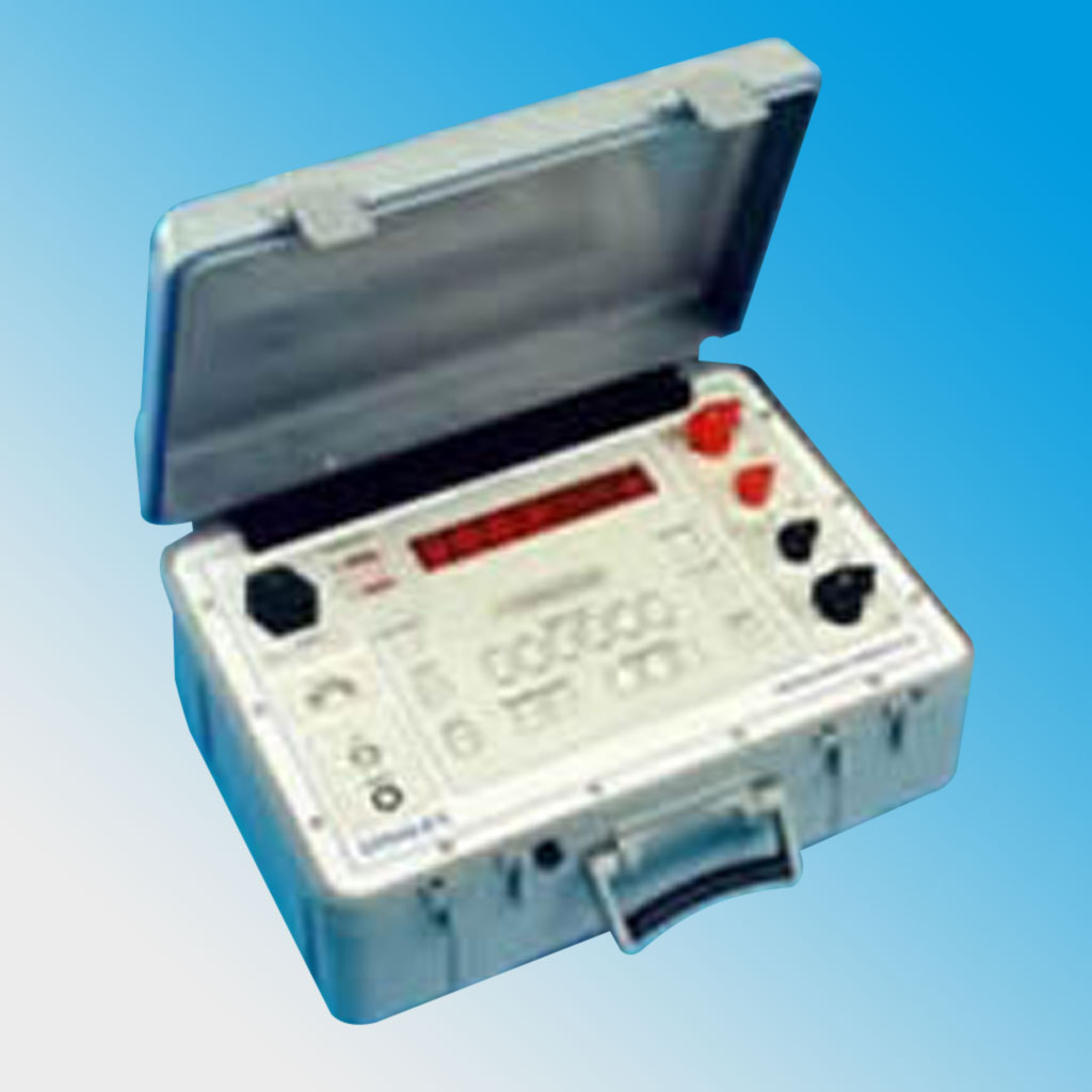 High Current (100 Amp) Portable Micro-Ohmmeter 5897